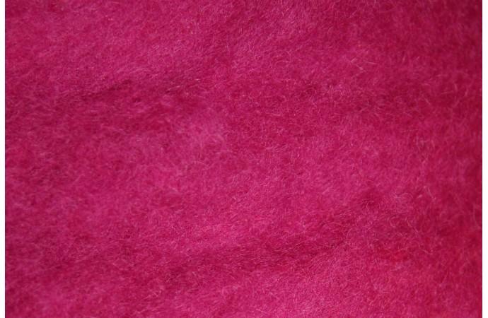 Cyclamen carded wool