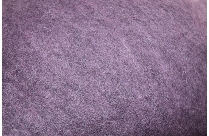 Violet color carded wool