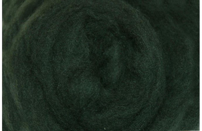 Dark green color merino wool tops