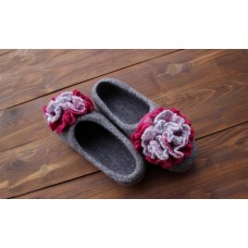Grey slippers with big cyclamen-grey flowers