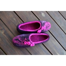 Violet slippers with infelted silk