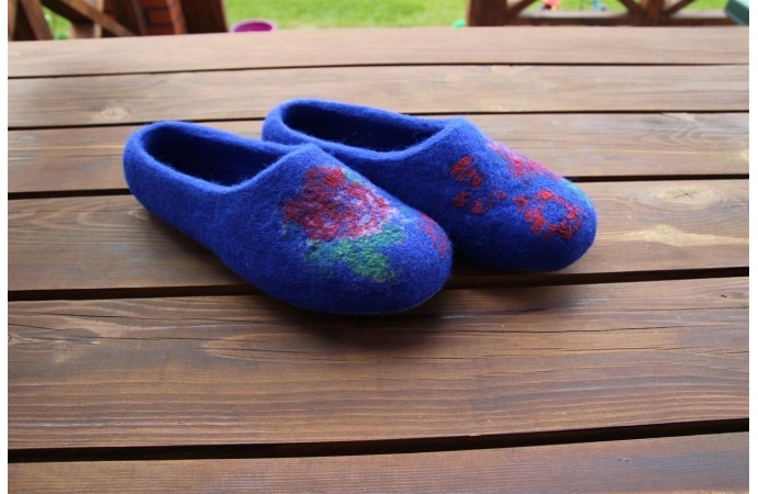 Cornflower slippers with  infelt flowers texture